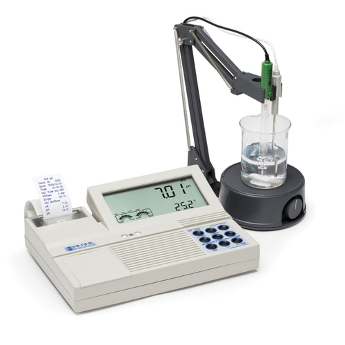 HI122 pH/mV/Temperature Bench Meters with Calibration Check